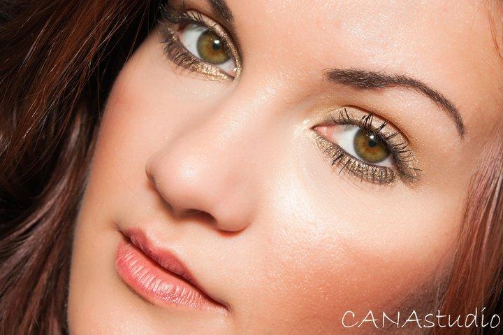 Female model photo shoot of Stefanie Budu