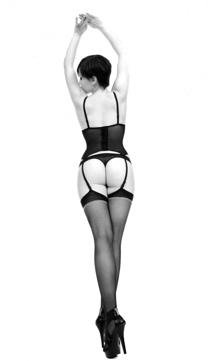 Female model photo shoot of Oksana Smith in USA