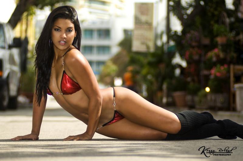 Feb 01, 2011 Kenny Roland Photography Street Bikini::