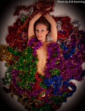 http://photos.modelmayhem.com/photos/110204/08/4d4c22fda6877_m.jpg