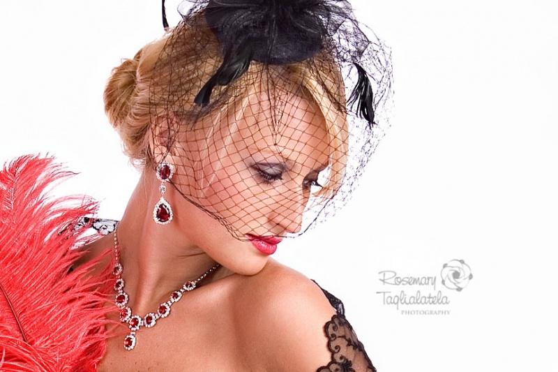 http://photos.modelmayhem.com/photos/110206/06/4d4eabe4b3c90.jpg