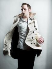 http://photos.modelmayhem.com/photos/110206/16/4d4f381be35b7_m.jpg