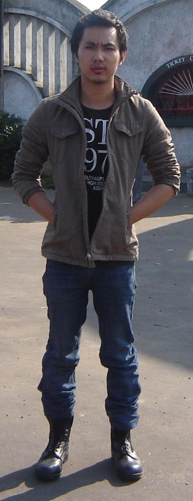 Male model photo shoot of sanen in india