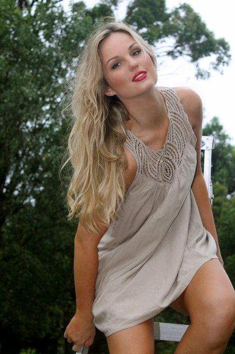 Female model photo shoot of Emelie Molin