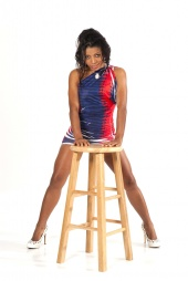 http://photos.modelmayhem.com/photos/110211/05/4d553f3d0c165_m.jpg