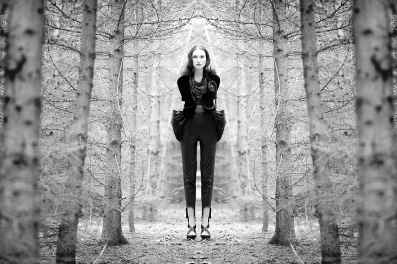 Feb 11, 2011 © Lindsay Adler Mirrored