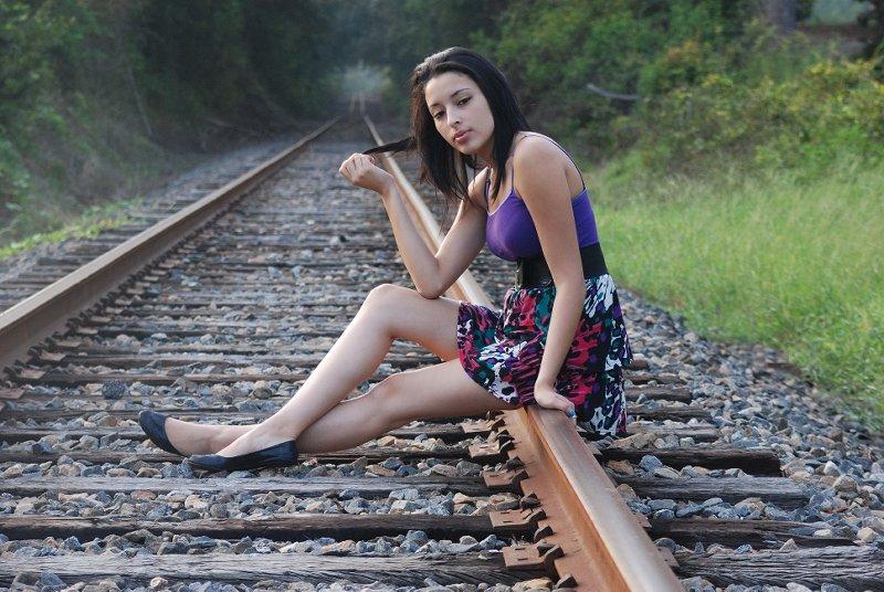 Female model photo shoot of Sarah Jenson