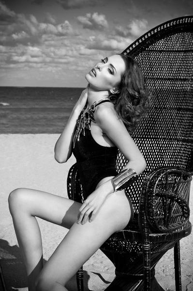 Feb 19, 2011 model Victoria (ford Paris), make up Yulia Jade