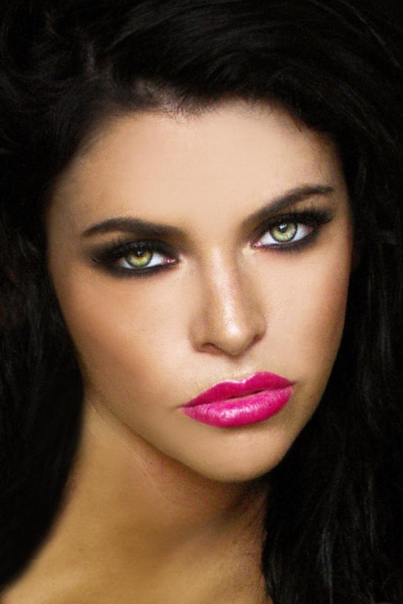 Female model photo shoot of Amanda Brooke Haines