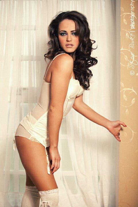 Female model photo shoot of Lareina Slight in Johnstown House