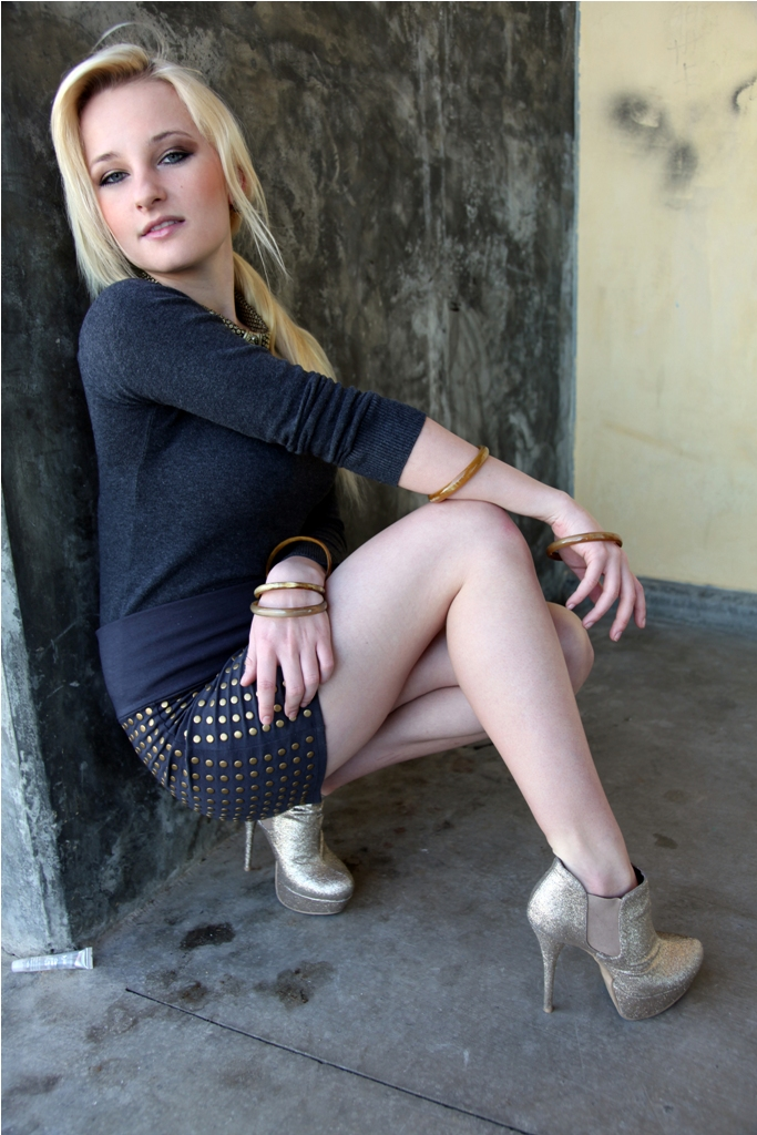 Female model photo shoot of Anna Weahunt in Los Angeles