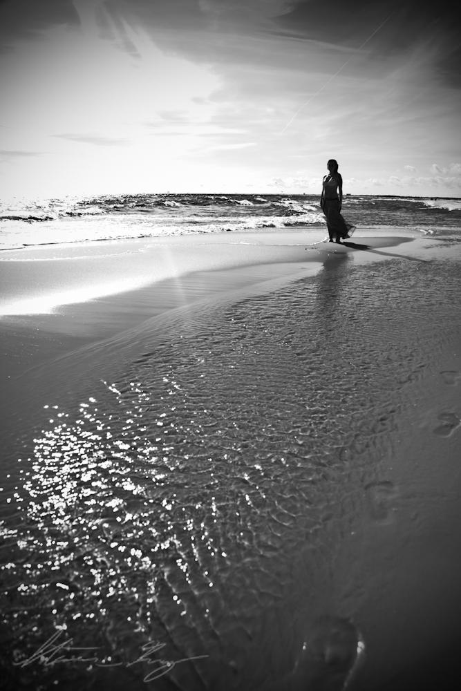 Mar 13, 2011 Steven Gray 2011 I daydream in monochrome.