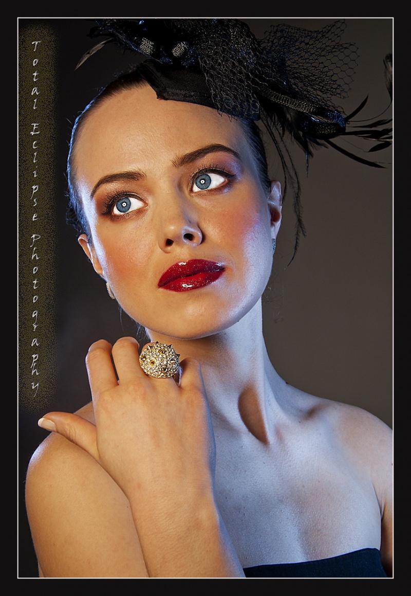http://photos.modelmayhem.com/photos/110314/10/4d7e524211484.jpg