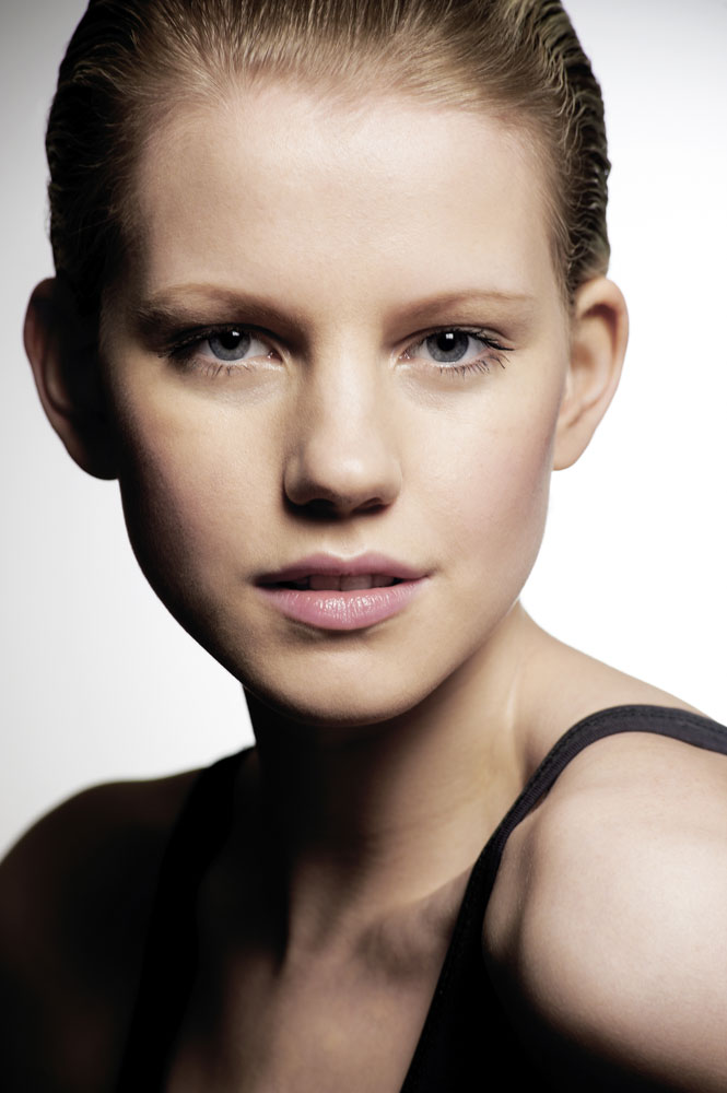 Mar 15, 2011 Photographer: Joel Anderson, Model: Isabella Lueen