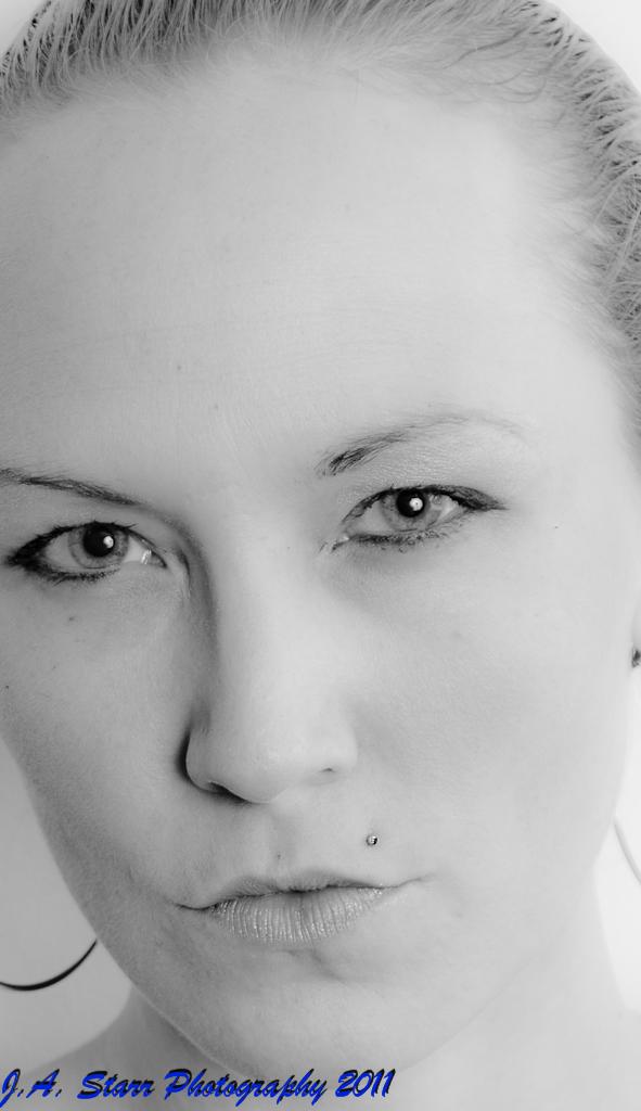 Female model photo shoot of Natalie J Divine