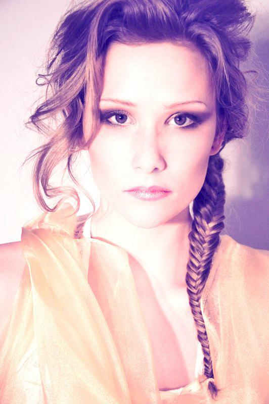Mar 18, 2011 Lottie Simons