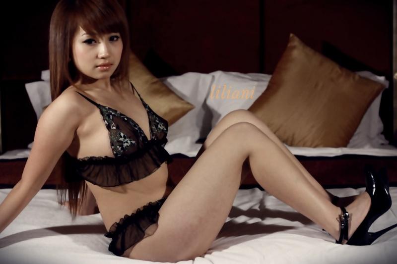 Female model photo shoot of Liliani in Solo