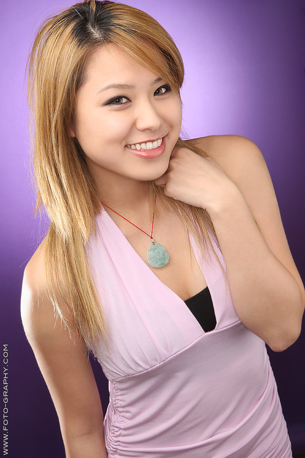 Female model photo shoot of Gabby Chenye