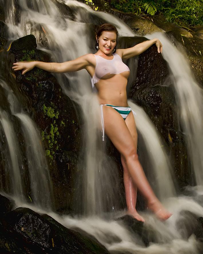 nuuanu Mar 22, 2011 hawaiian phototropix Aimee getting very wet~