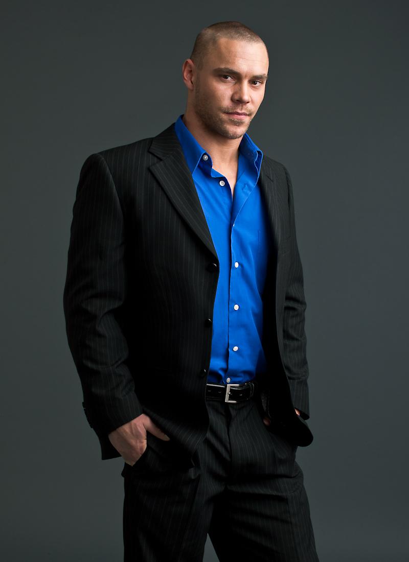 Male model photo shoot of Dustin Ward