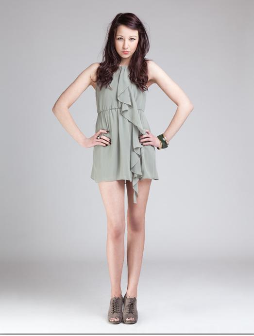 Female model photo shoot of elle88