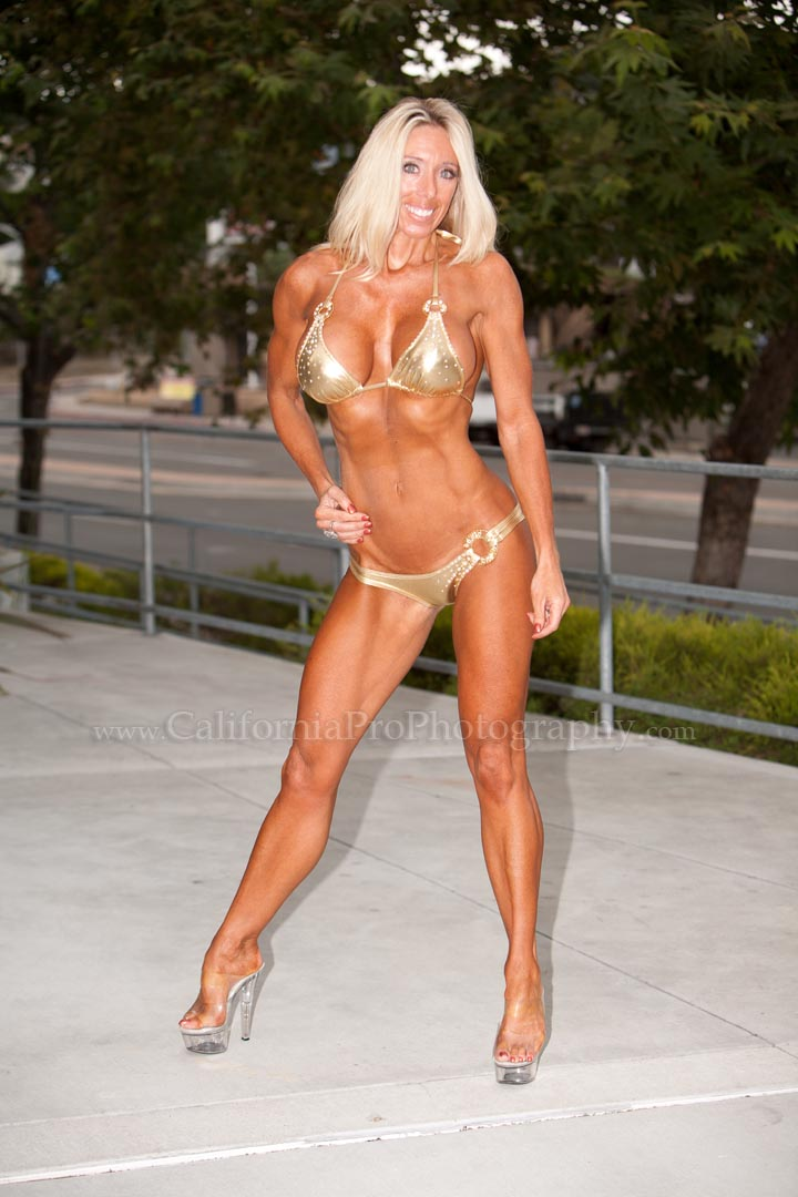 San Diego Apr 02, 2011 California Pro Photography Gold Bikini Rocks