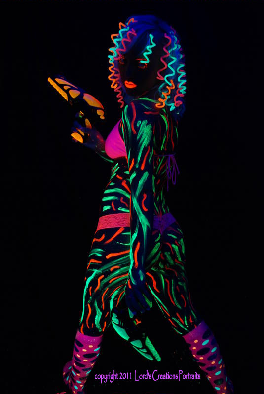 studio-real time, no edits Apr 04, 2011 Lords Creations Portraits 2011 Amanda Blacklight 3.1