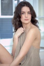 http://photos.modelmayhem.com/photos/110406/19/4d9d240af2425_m.jpg