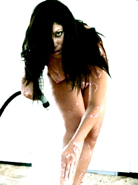 Female model photo shoot of Floresita
