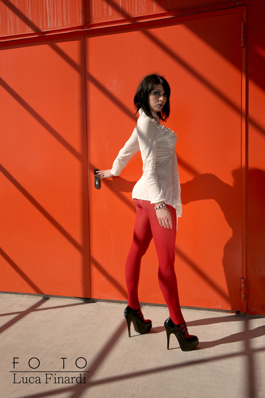 pordenone (italy) Apr 10, 2011 © _ginger_alt_model_ 2011 red wall