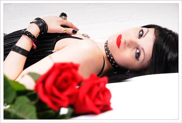 http://photos.modelmayhem.com/photos/110411/14/4da3711b1cc66.jpg