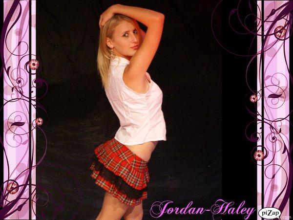 Female model photo shoot of Jordy Mancini in West Gosford Studio