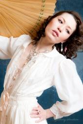 http://photos.modelmayhem.com/photos/110415/19/4da8f99bc8b35_m.jpg