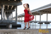 http://photos.modelmayhem.com/photos/110416/00/4da9454a4a50f_m.jpg
