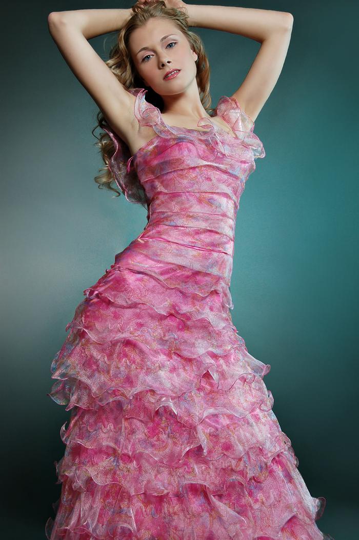 Apr 16, 2011 Oksana in pink shot by Tony Veloz, make up by Leiloni, hair by Jamal