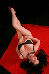 http://photos.modelmayhem.com/photos/110417/01/4daaa674341f5_m.jpg