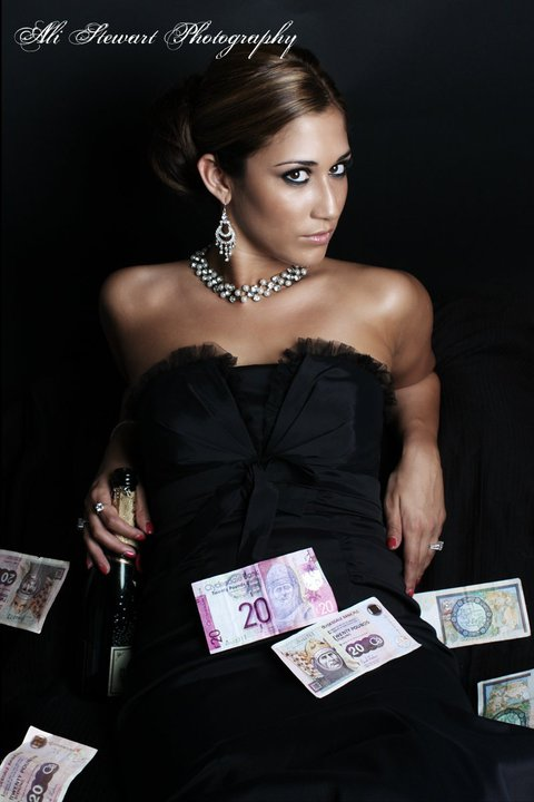 Female model photo shoot of Amy Donaldson in Ali stewart studio Aberdeen