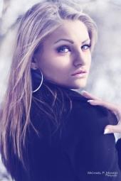 http://photos.modelmayhem.com/photos/110418/17/4dacdd59a0d09_m.jpg