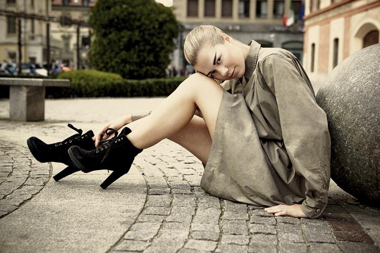 Female model photo shoot of Anna Fashion