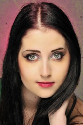 http://photos.modelmayhem.com/photos/110423/15/4db34d10626ee_m.jpg