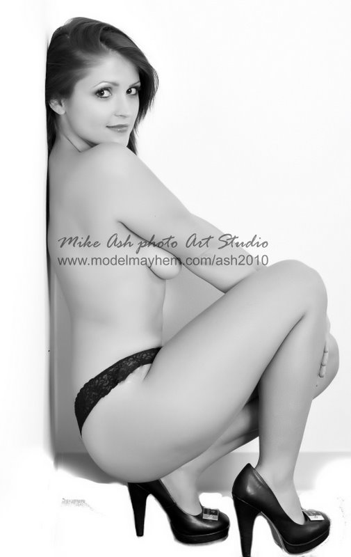 http://photos.modelmayhem.com/photos/110425/22/4db652c50dc86.jpg