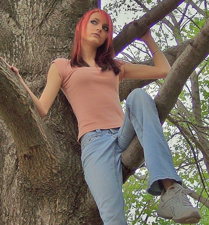 Female model photo shoot of Zanna_marie91