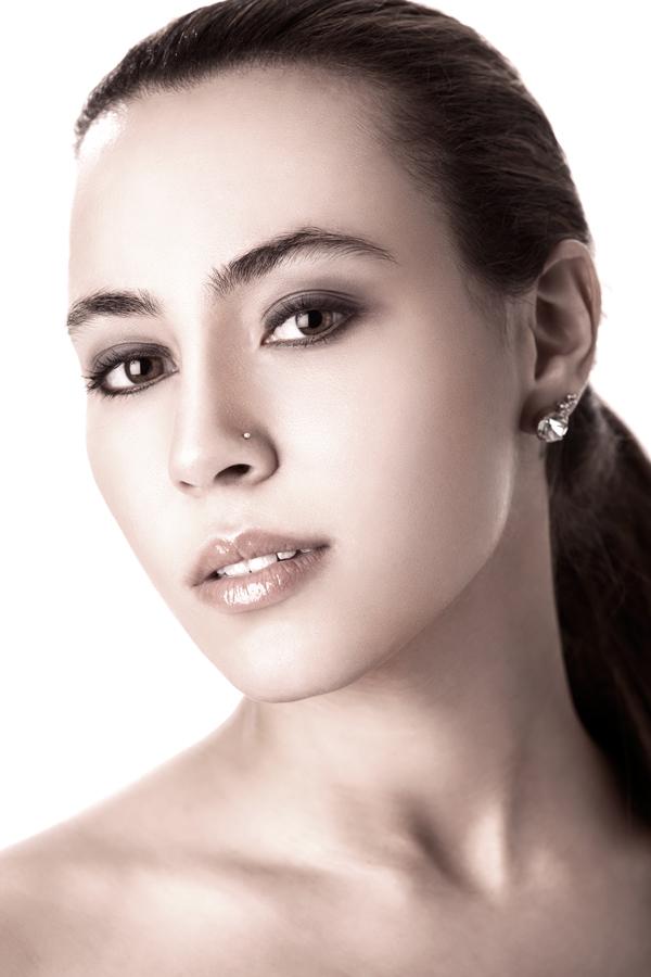 http://photos.modelmayhem.com/photos/110430/09/4dbc35d075dd6.jpg