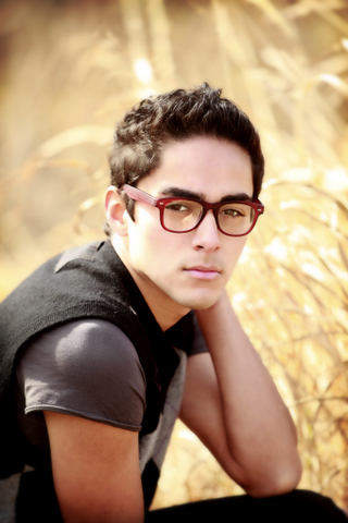 Male model photo shoot of T Rtiz
