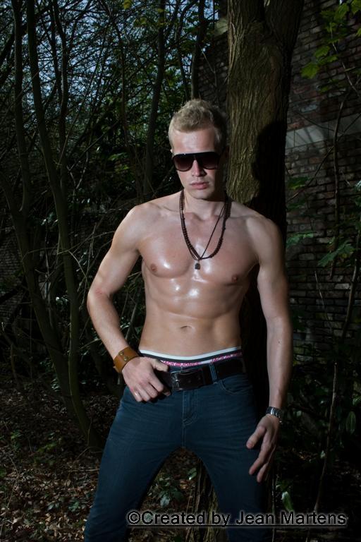 Male model photo shoot of Jean Martens