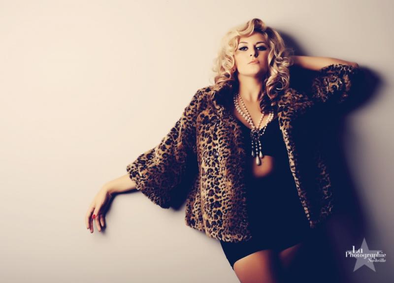 Female model photo shoot of Mallory Moody