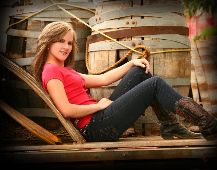 May 09, 2011 Photographer: Edwards, hair and makeup: myself, editing: Edwards