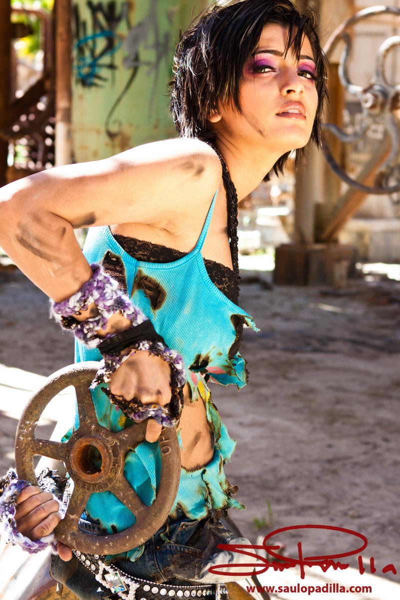 Male and Female model photo shoot of Saulo Padilla and Iram in California