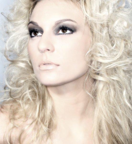 Female model photo shoot of Juliana R
