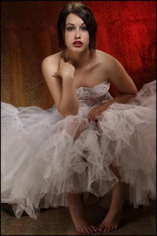 Female model photo shoot of Rachel Clugston by Ray Sopczuk